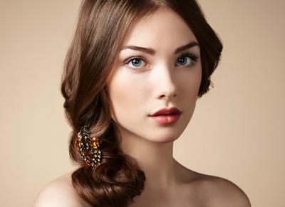 Tips Makeup Natural untuk ke Pesta