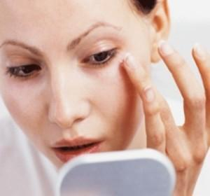 Pertahankan Makeup Agar Tahan Lama