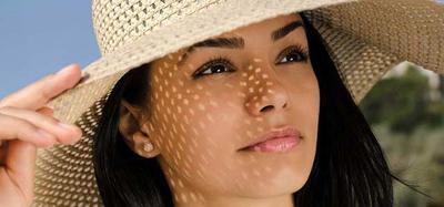 8 Hal yang Harus Diperhatikan Agar Makeup Tahan Lama Saat di Pantai