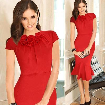 Tampil Elegan dengan Gaun Merah di Segala Suasana