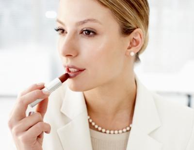 Hal-Hal yang Harus Dihindari untuk Makeup ke Kantor