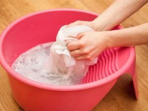 1. Jangan Dicuci dengan Mesin Cuci