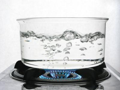 5. Jangan Menggunakan Air Panas
