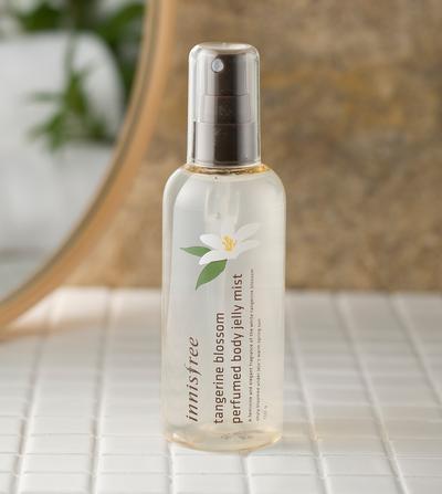4. Innisfree Tangerine Blossom Perfumed Body Jelly Mist