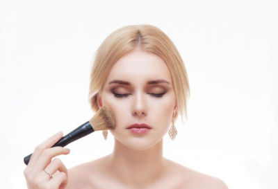 Tips Memilih Face Powder Berdasarkan Usia