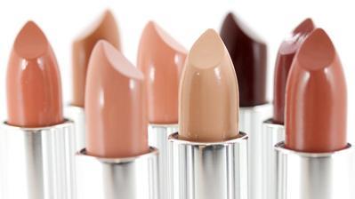 Sesuaikan Warna Lipstick Dengan Warna Kulit