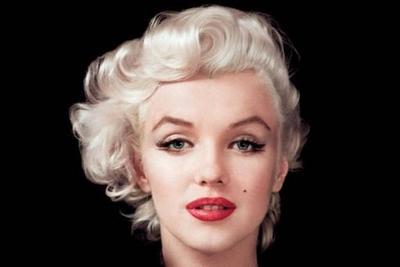 1. Bibir Seksi ala Marilyne Monroe