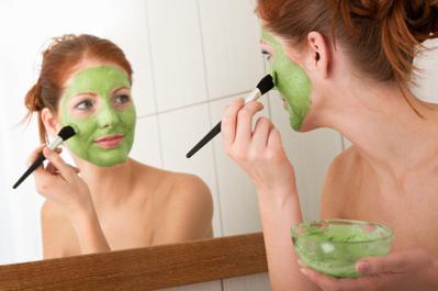 Masker Rumahan untuk Atasi Berbagai Permasalahan Kulit Berminyak