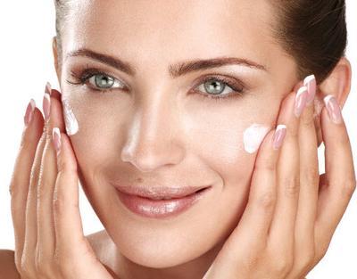 Tips Makeup untuk Jenis Kulit Berminyak