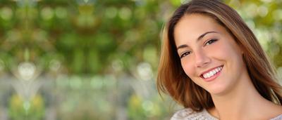 5 Cara Tampil Percaya Diri dengan Gigi Putih