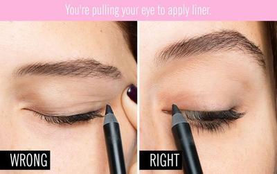 5. Menarik Area Sekitar Mata Ketika Memakai Eyeliner