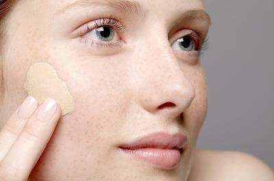 Image result for memakai make up dengan jari