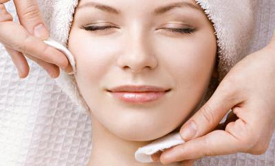 5 Hal Berikut Bantu Bersihkan Makeup dengan Benar