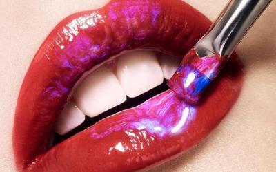 Langkah Praktis agar Lipstick Tahan Seharian