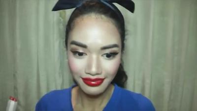 7. Lipstick yang Terlalu Tebal