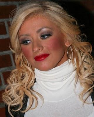 Salah Memilih Warna Foundation, Blush On, dan Produk Eyebrow