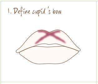 1. Beri Bentuk pada Cupid's Bow