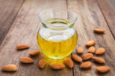 2. Minyak Zaitun/Minyak Jarak/Minyak Almond