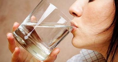 Perbedaan Antara Kulit Kering & Kulit Dehidrasi