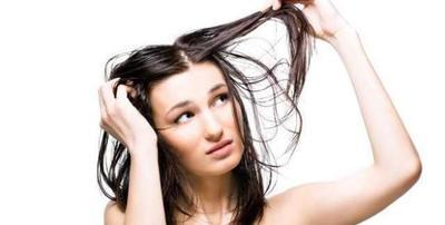 5 Hal Penyebab Rambut Jadi Mudah Berminyak