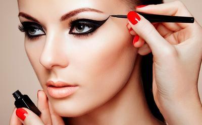Hindari Kesalahan Pengaplikasian Eyeliner Berikut Ini!