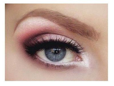 5 Eyeshadow Lokal Pilihan yang Wajib Kamu Punya di Bawah Rp50.000