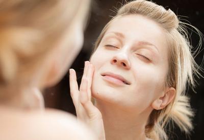 Rekomendasi Night Cream yang Akan Kembalikan Sinar Alami Kulitmu