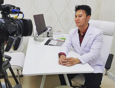 Dr. Kurniawan: Lipstick Matte Bukan Penyebab Bibir Kering