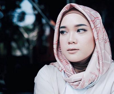 Kosmetik Halal Terbaik Rekomendasi Hijab Influencer Suci Utami