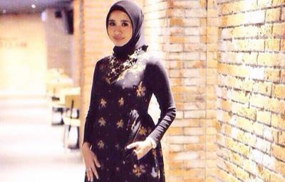 Steal The Look! Batik Style untuk Hijabers Tampil Modis ala Laudya Cynthia Bella