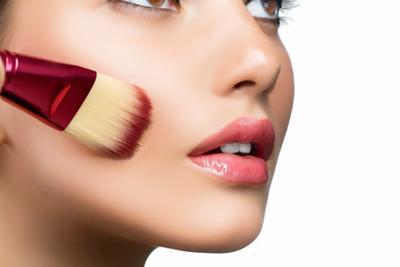 Makeup Natural Sehari-hari dengan Produk di Bawah Rp100.000