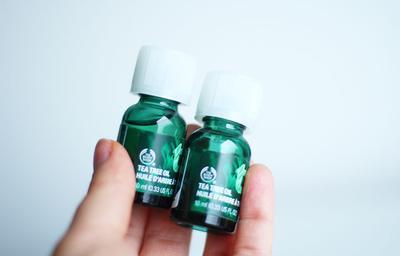 1.The Body Shop Tea Tree Oil Anti Acne Spot