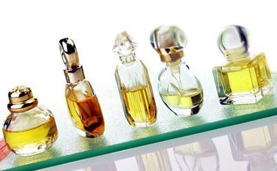 Pakai Parfum Ini untuk Menarik Perhatian Lawan Jenis