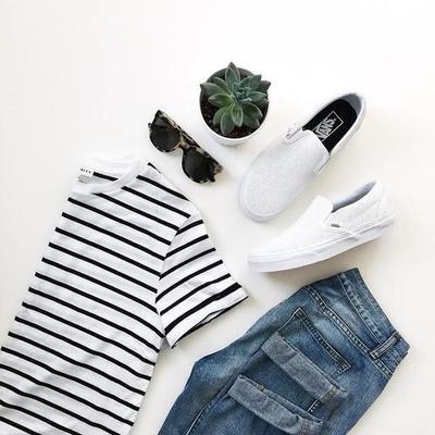 1. Selalu Rencanakan Pakaian Yang Akan Dikenakan Besok