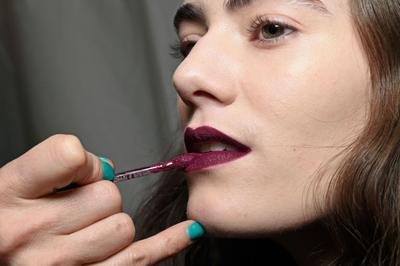 Maksimalkan Tampilan Bibir dengan Trik Rahasia dari Para Profesional