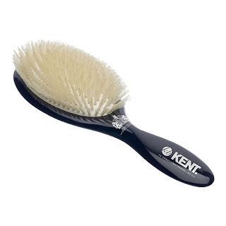 Synthetic bristle brush