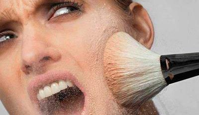 Sebelum Membeli Pastikan Kosmetik yang Kamu Gunakan Aman Untuk Kulit