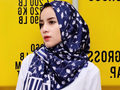 Percantik Gaya Muslimahmu dengan Hijab Motif Floral ala Selebgram