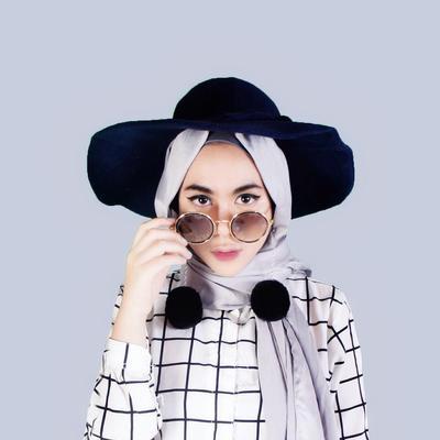 Tampilan Hijab Jadi Lebih Menarik dengan 4 Aksesoris Populer Ini!
