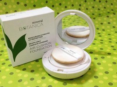 Mineral Botanica Air Cushion Foundation - Rp210.000