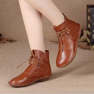 4. Menjadi Polish untuk Sepatu Kulitmu