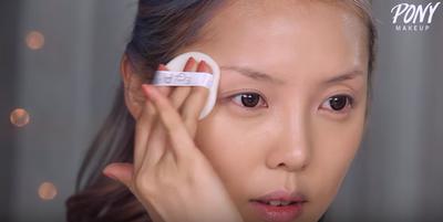 Step 3: Set Makeup Dengan Bedak