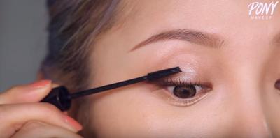 Step 7: Gunakan Mascara