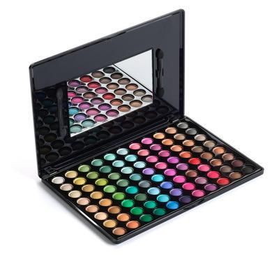 Bingung Pilih Eyeshadow Palette, Buat Saja Sendiri!