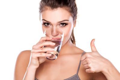2. Minum Air Putih Secukupnya
