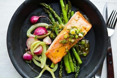 5. Pilih Ikan Sebagai Hidangan Utama