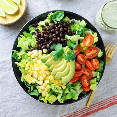 Rawat Kesehatan Kulit Kamu dengan 5 Resep Salad Buah ini!