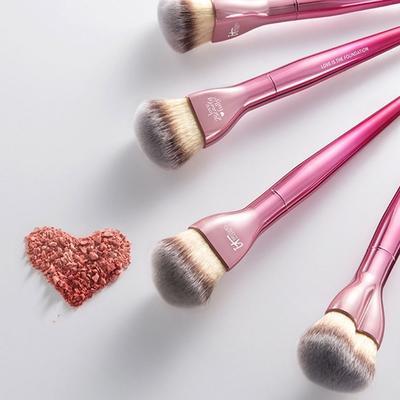 Suka Koleksi Brush Makeup? Yuk, Tambah Koleksimu Dengan Brush Unik Ini