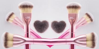 Brush Berbentuk Hati dari It Cosmetics