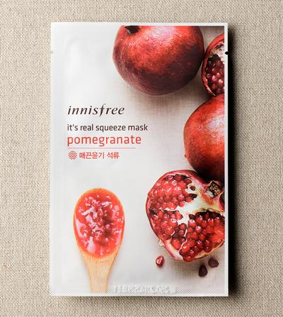 5. Innisfree It's Real Squeeze Mask Pomegranate